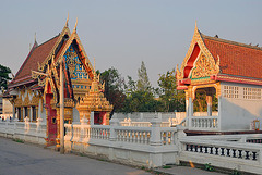 Wat Sri Prawat at the Khlong Maha Sawat