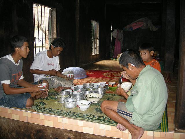 Mittagspause im Tempel
