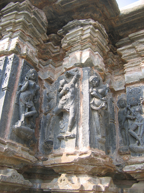 18:1* Dungarpur to Amla Fort BIS - 12