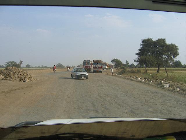 18:1* Dungarpur to Amla Fort BIS - 19