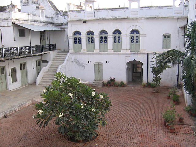 18:1* Dungarpur to Amla Fort BIS - 20