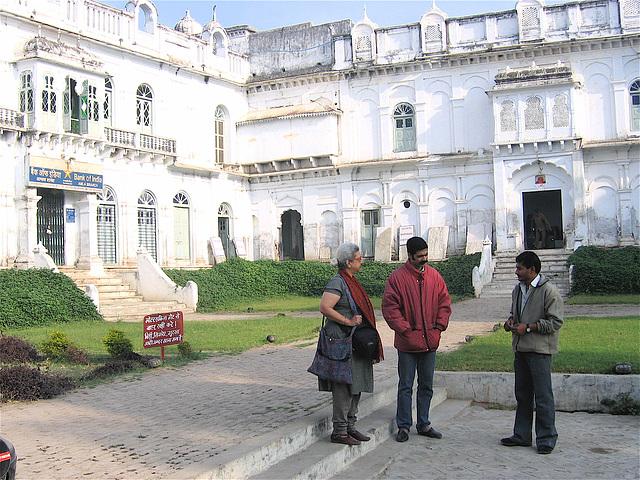 18:1* Dungarpur to Amla Fort BIS - 22
