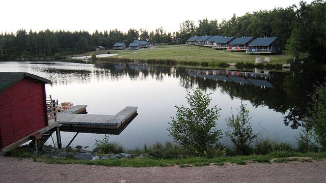 Le lac du village de vacances à Nontron (24)