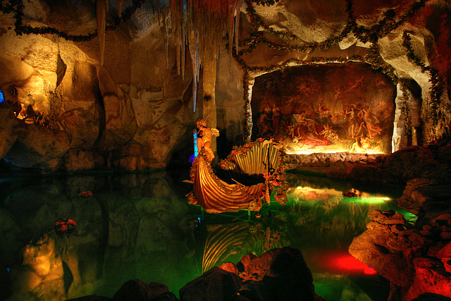 Linderhof - Grotto