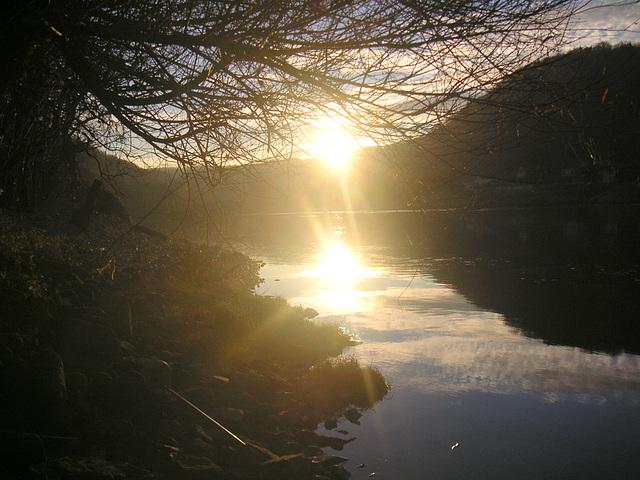 Sonnenaufgang an der Elbe vor meinem Hause