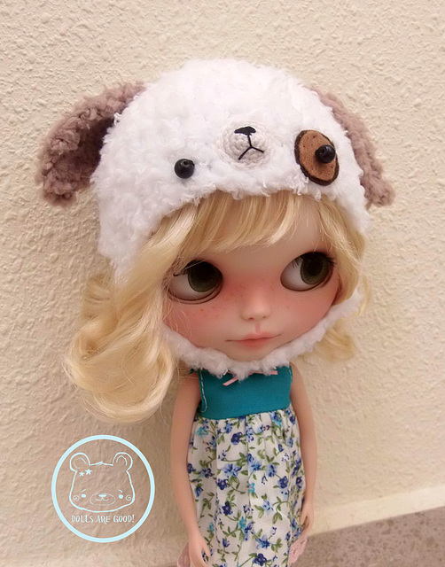 Dog hat for Blythe