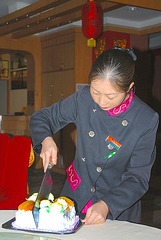 Cutting the cake the Chinese way