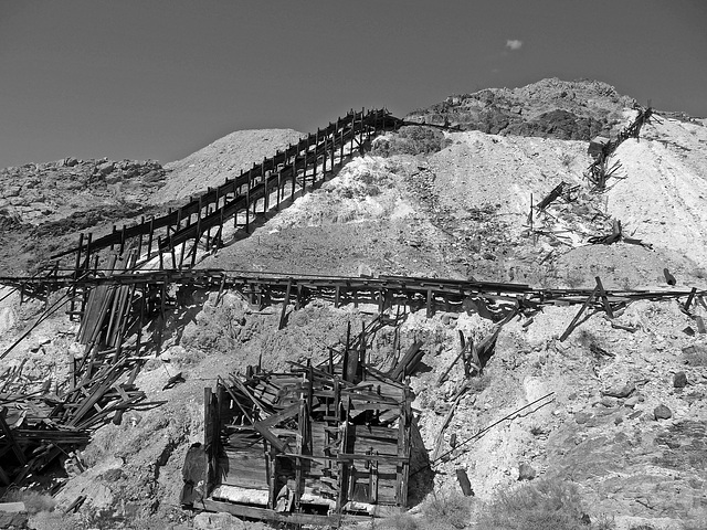Moorehouse Mine - Death Valley (1592)