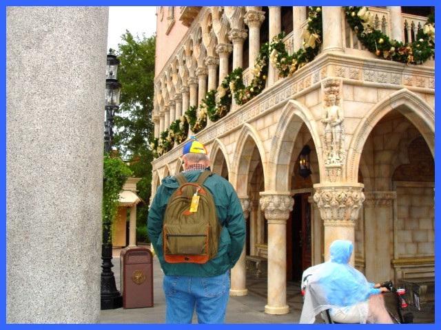 Casque à hélice / Propeller hat - Disney horror picture show / Orlando, Florida USA /  December 26th  2006