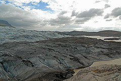 The glacier and the river end in the lake