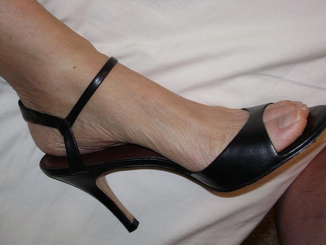 banana repulic heels