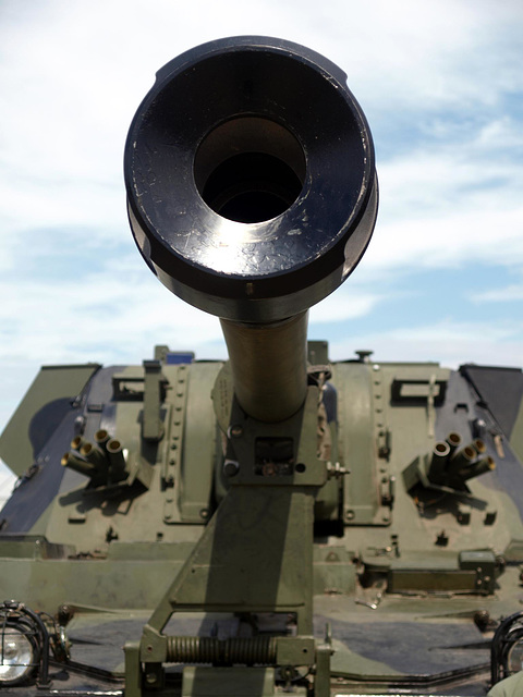 AS90 155mm SP Gun 1
