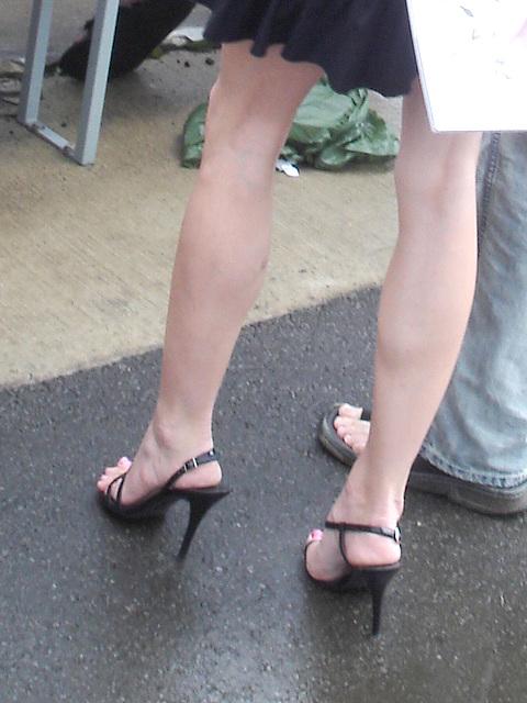 La Dame aux talons hauts extrêmes / Stiletto sandals Lady