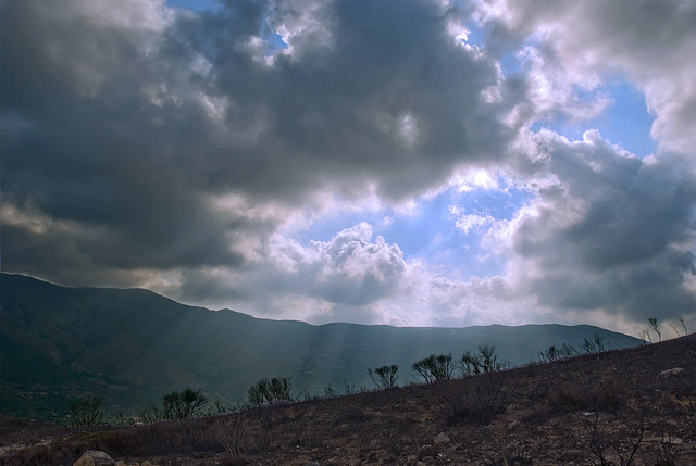 More clouds, more spouts...