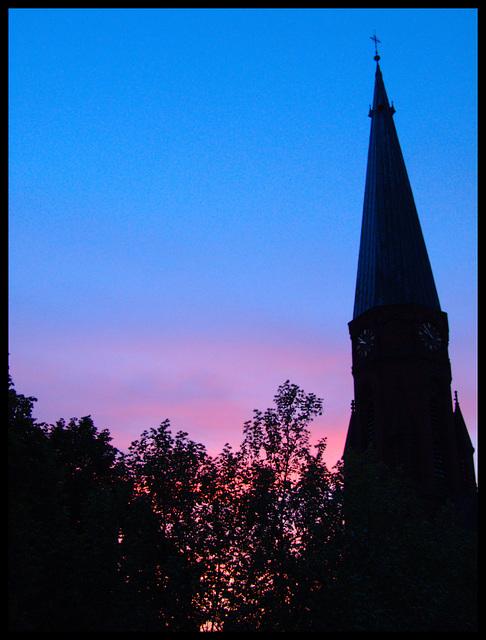 Friedenskirche Hamburg Altona im Abendlicht