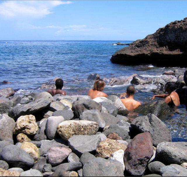La source d'eau chaude de Thomas, Guadeloupe