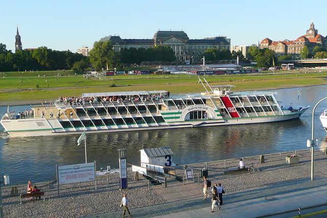 """Personenschiff """"August der Starke"""""""