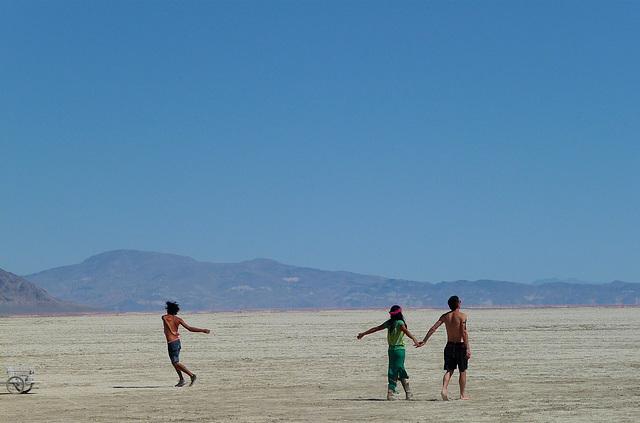 Dancers On The Playa (1059)