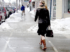Belle blonde en bottes à talons hauts / Pony tail Booted Blonde with glasses - Lachute, Québec - Canada