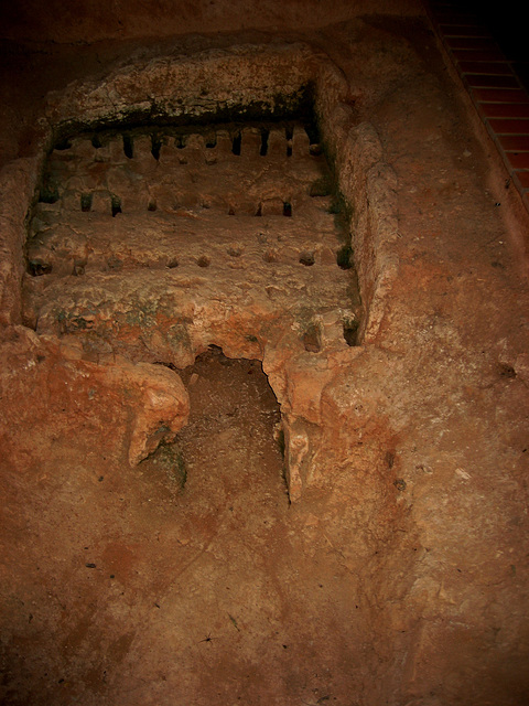 Vila de Alcobertas, medieval furnace