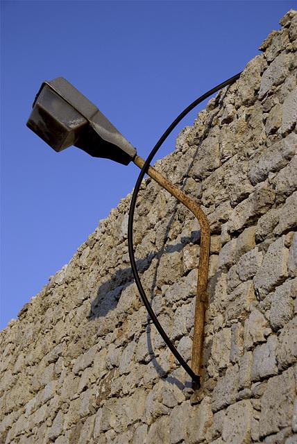 Strange cable.........