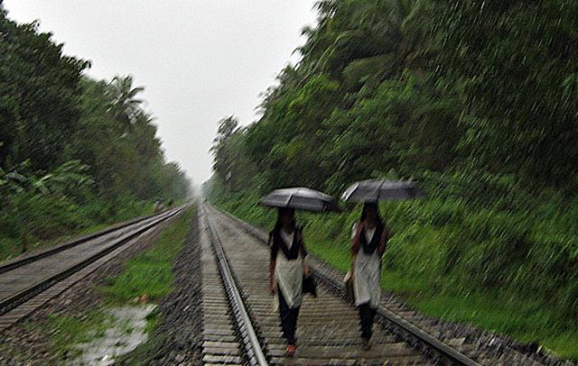 Wet rails