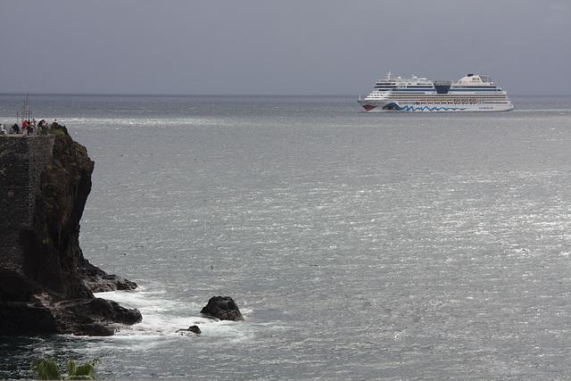 die Aida bella besucht den Hafen von Funchal