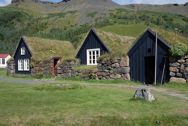 Farm houses is Skogar