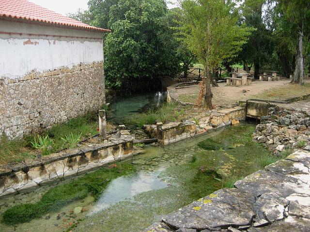 Vila de Alcobertas, Olho de Água, water spring