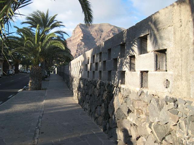 IMG 0367 Straße/Mauer in Puntilla