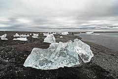 More ice pieces on the Jökulsárlón beach