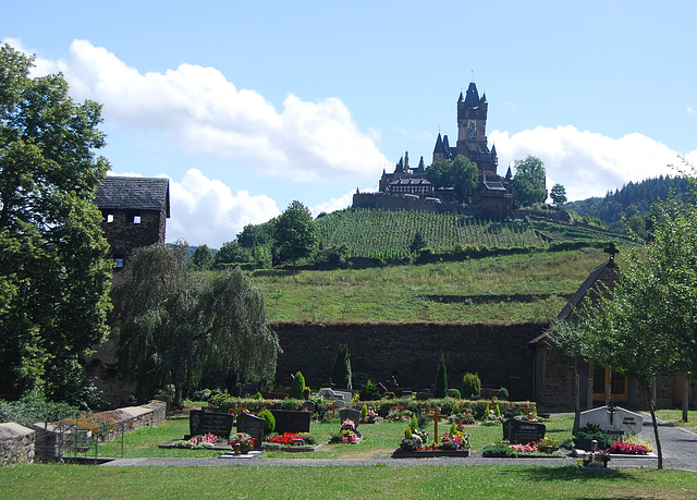 graveyard and Reichsburg in Cochem