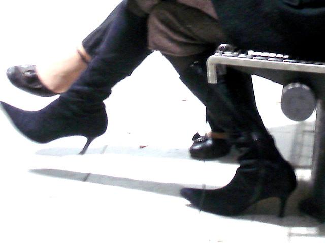 Podoerotic Footwear featuring inseparable sexy Ladies chatting - Gare du Midi- Bruxelles. Novembre 2007.