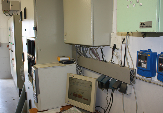 in der Elektrozentrale einer Biogasanlage