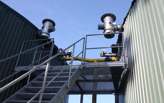zwischen Reaktor und Nachgärbehälter einer Biogasanlage
