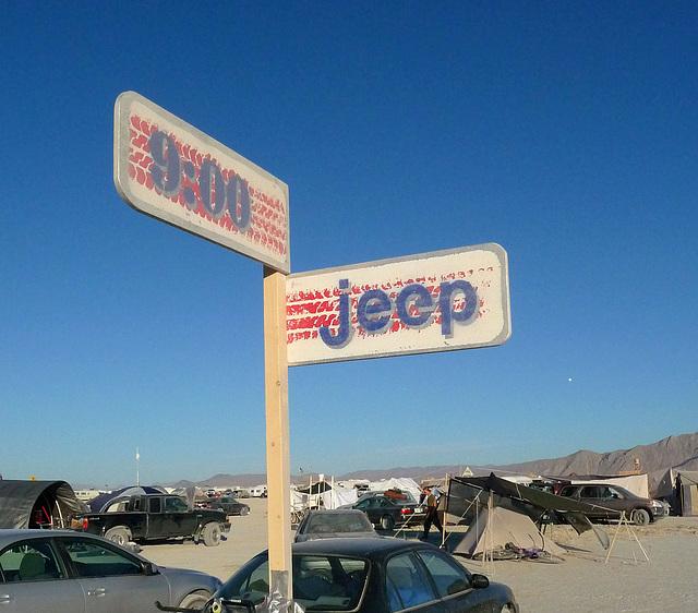 9 O'Clock & Jeep (0562)