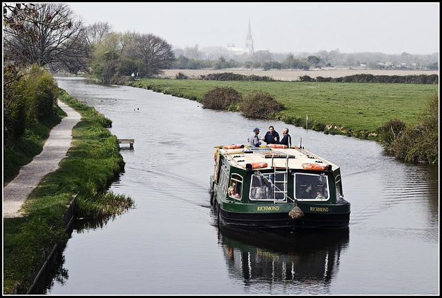 A dull, grey day on the Chichester Canal