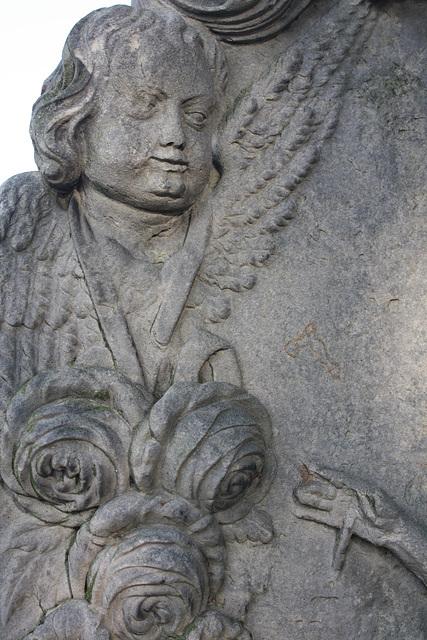 ein Engel des Barock als Grabsteindetail