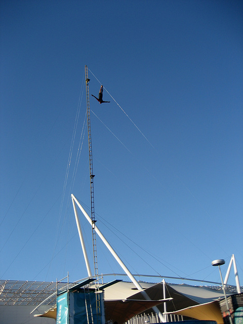 Lisboa, Festival of Oceans, dangerous dive (from 25 metres high)