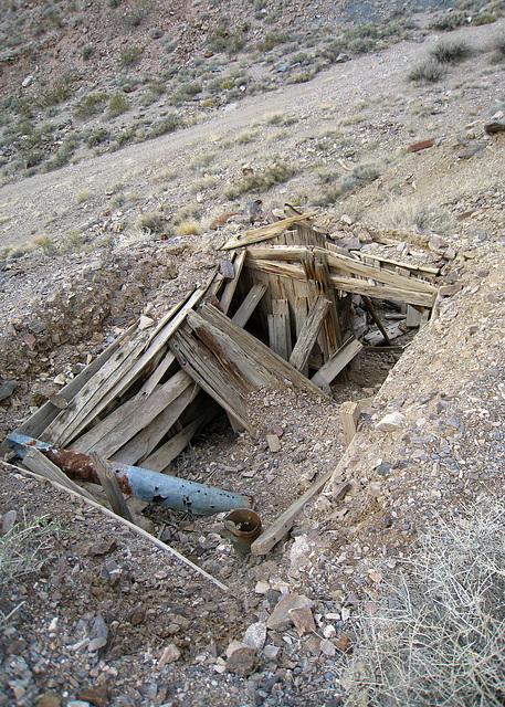 Echo Canyon Mine Camp (1946)