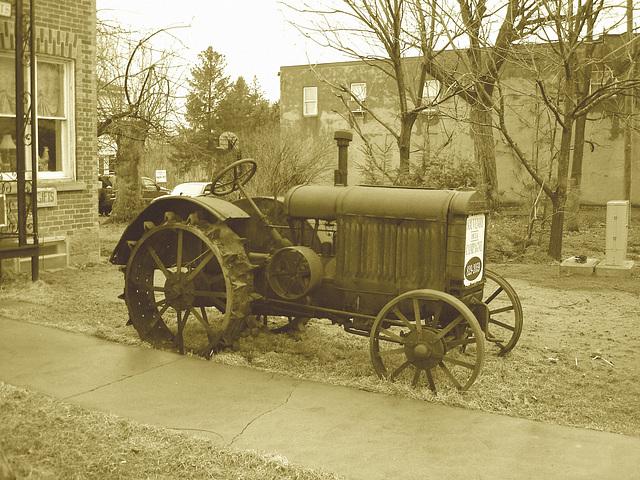 Antiquités / Antiques /  Ormstown, Québec, Canada / 29 mars 2009 - Sepia