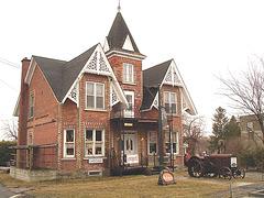 Antiquités / Antiques / Ormstown, Québec, Canada.   29 mars 2009