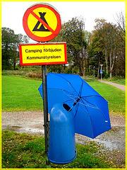 Camping interdit / Camping forbidden - Båstad , Suède.  21 octobre 2008