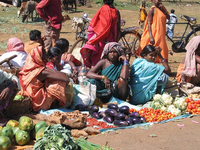 La vendeuse d'aubergines et ses consoeurs