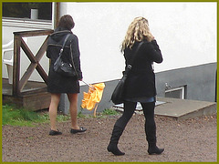 Jeune blonde Suédoise en bottes à talons plats / Young Swedish Blond Lady in flat boots and sexy outfit - Enehall Pensionat-  Båstad / Sweden - Suède.  21 octobre 2008.