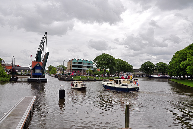 Ships going in and out of Leiden