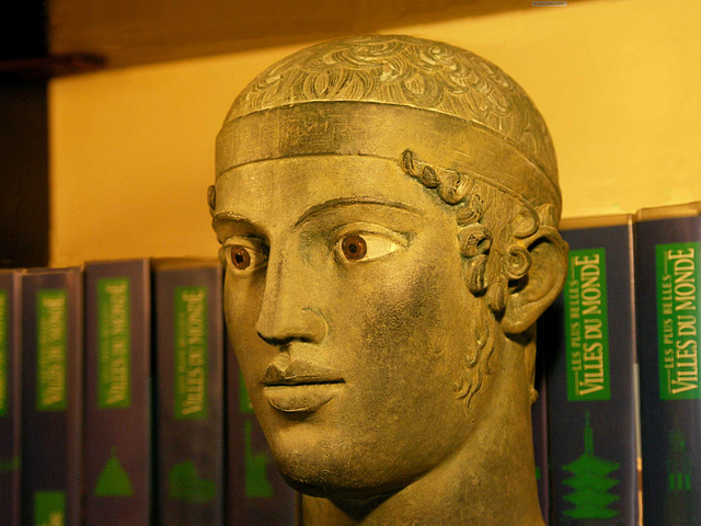 PICT7507ac Painted Plaster Aurige 's Head at Home