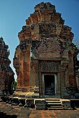 Plang Ku Khmer Ruins