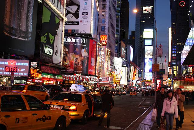 NYC02112008BklnBrMarathonTSquare 293