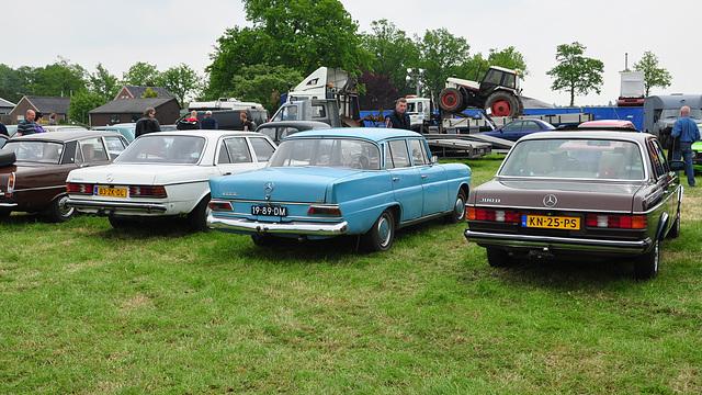 Oldtimershow Hoornsterzwaag – 1982 Mercedes-Benz 200 D - 1967 Mercedes-Benz 200 D - 1983 Mercedes-Benz 300 D